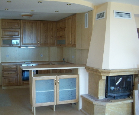 Кухня с дъбови врати