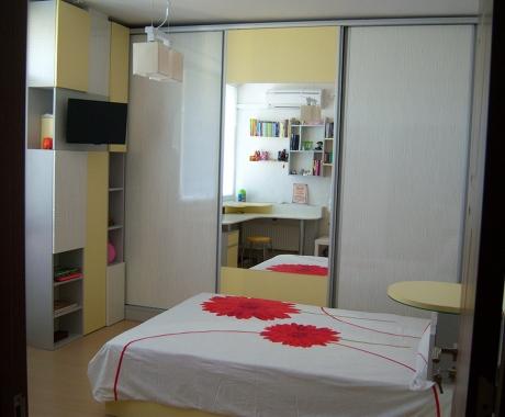 Спалня с бял лак